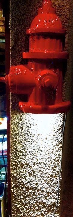 Hidrante bomberos Lámpara de pared Para colgar $2200 Completo $3300 Fibra de vidrio  Esmenjaud retro