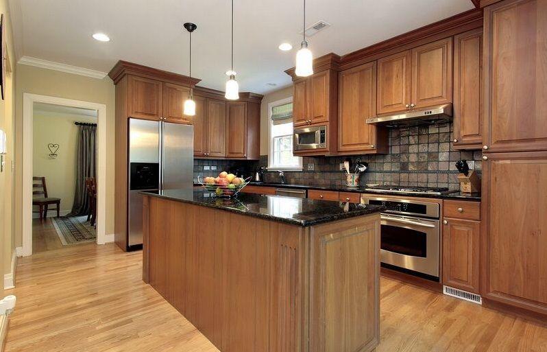 Best Saginaw Chestnut Kitchen Cabinets Brown Kitchens 400 x 300