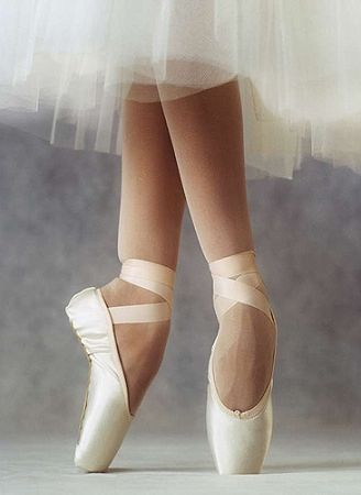 Russian Muse Draw Pointe Shoes
