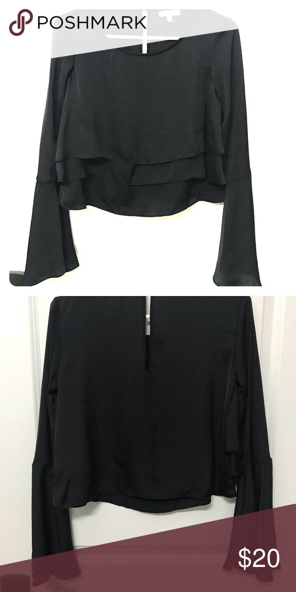 98a2a26283e Gianni Bini bell sleeve black crop top Gianni Bibi Black