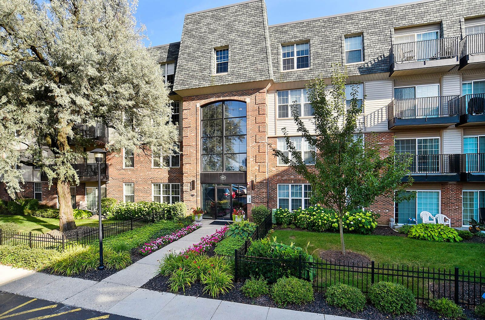 Welcome To Your New Home You Ve Arrived Looking For A New Apartment In The Highwood Illinois Area Look No Further Highwood Apartment Communities Apartment