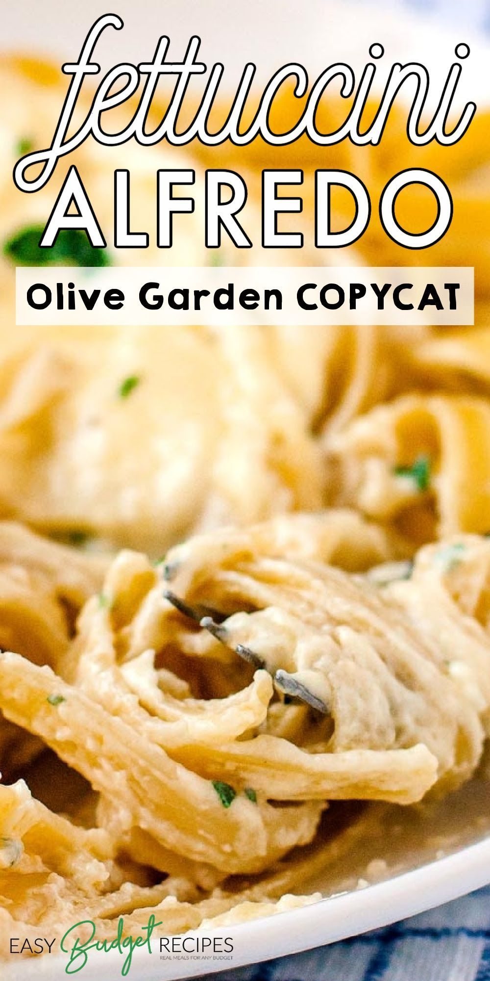 This Copycat Olive Garden Fettuccine Alfredo recipe takes just 30 minutes to make and is incredibly delicious. For more quick and easy recipes follow Easy Budget Recipes!