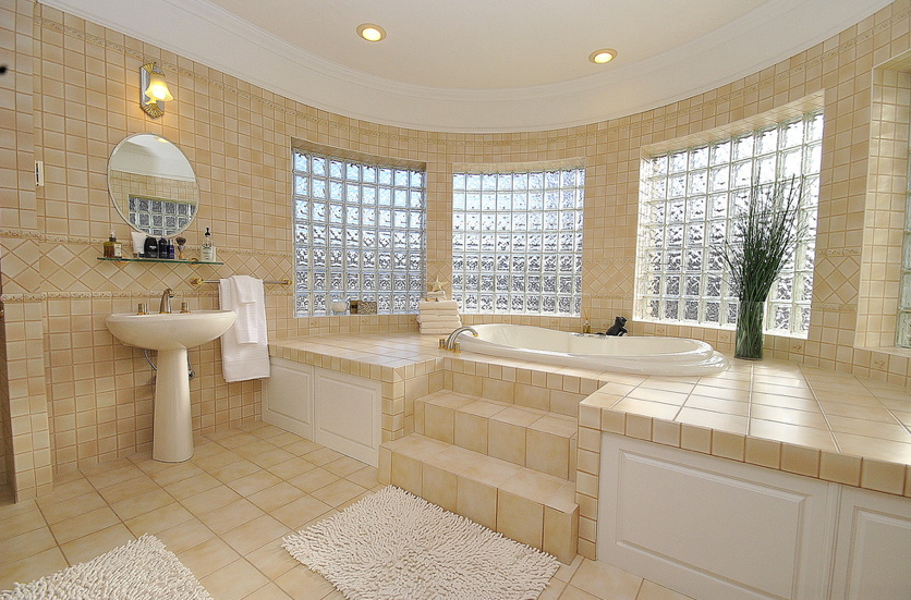 I love love love that tub, and windows.... sink area, yeah