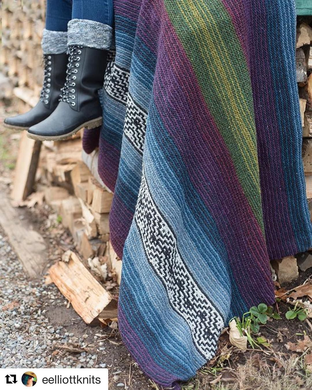 Tell me you don't want to stop whatever you are doing and go make this blanket?  Ive been thinking about it ever since I photographed it for her. Burgoo a new design from @eelliottknits  on @ravelry now. #treatyoself #knittersofinstagram #galezuckerphotography #knitting @brooklyntweed