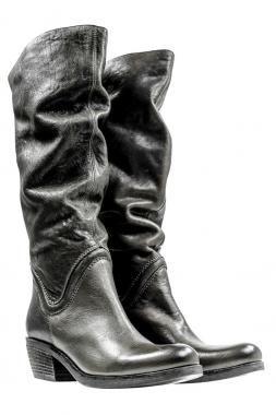 Neues von VIC - robuste Biker-Stiefel in der Farbe dunkelgrau. --- News from VIC - tough biker-boots colored in dark grey.