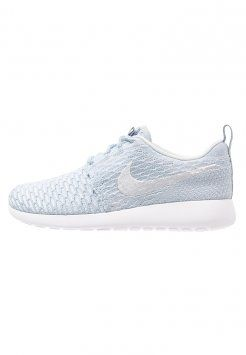 Nike Sportswear - ROSHE ONE FLYKNIT - Sneakers - light armory blue/pure platinum/white