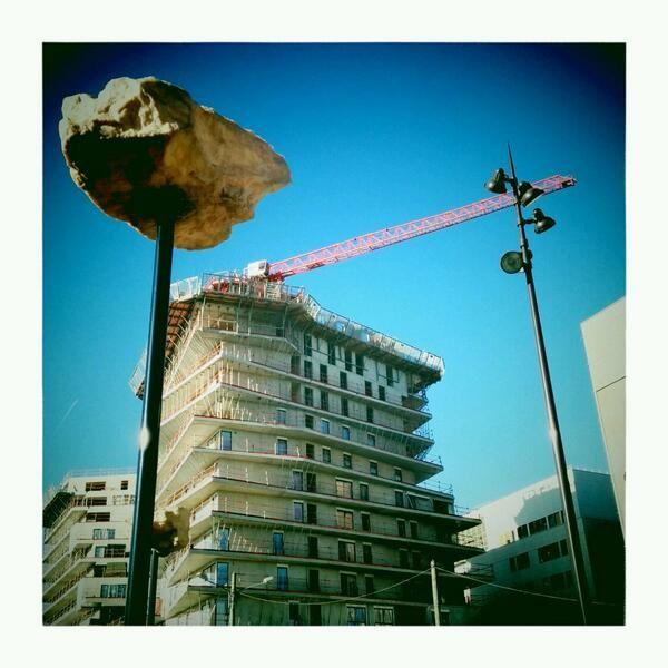 16 mars 2014 / Paris 13ème / Avenue de France / Les rochers dans le ciel, Didier Marcel