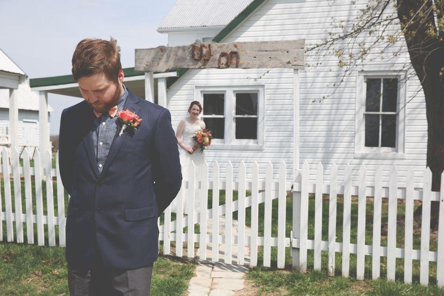#firstlook #wedding #rustic