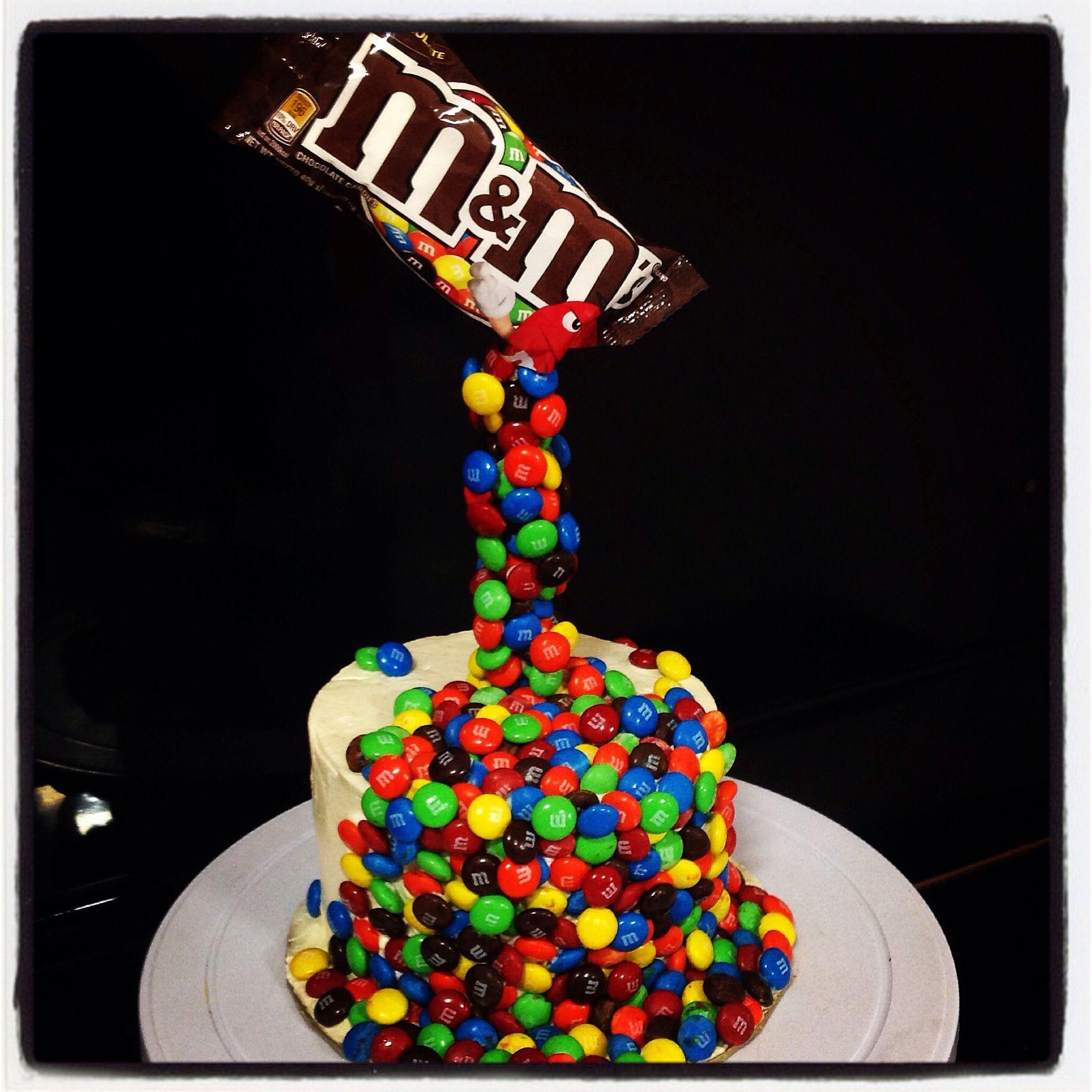 Best 25 Gravity Defying Cake Ideas On Pinterest Gravity