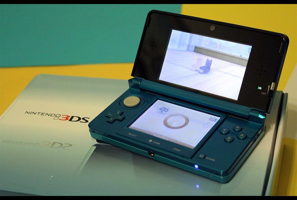 Asi Es El Unboxing De La Nueva Consola Portatil De Nintendo Consolas Videojuegos Nintendo 3ds Videojuegos