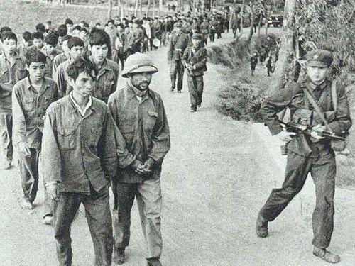 Supporting Image 2 The Sino-Vietnamese War was short war between China and  Vietnam over border control. Jian was a soldier during the t… | Vietnam, Vietnam  war, War