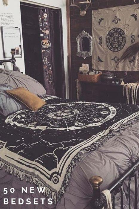 50 Neue Bettwäsche 2017 Einrichtungsgegenstände Budget Bettwasche Budget Einrichtungsgegenstande Aesthetic Bedroom Gothic Bedroom Aesthetic Rooms