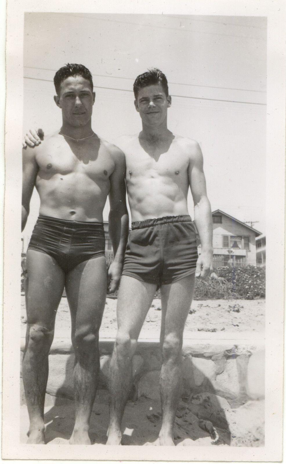 c3a7afc900 Vintage Beach Hunks | Des hommes du passé | Vintage men, Vintage ...