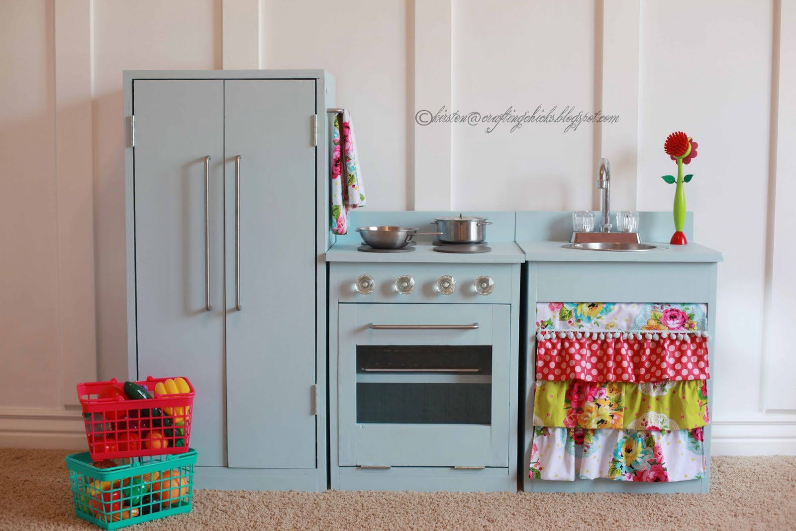 Childrens Wooden Kitchen Furniture - Best Way to Paint Wood ...