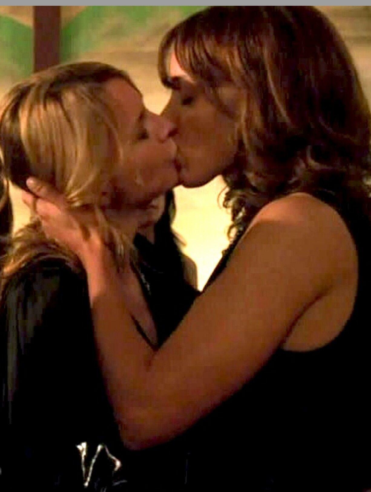 Tina And Bette The L Word Jennifer Beals