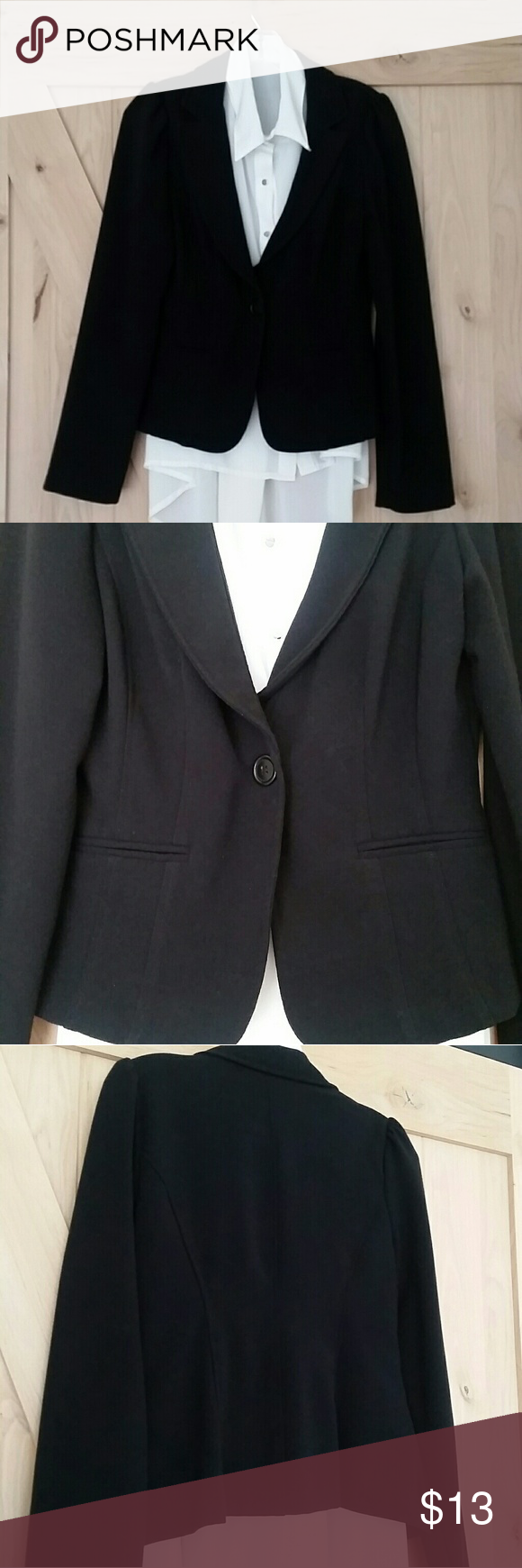 Black Blazer Black Blazer with faux front pockets.  Great condition,  not faded in color,  jet black. Jackets & Coats Blazers