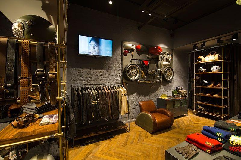 Ouverture du premier concept store royal enfield en france moto pinterest royal enfield - Deco garage vintage ...
