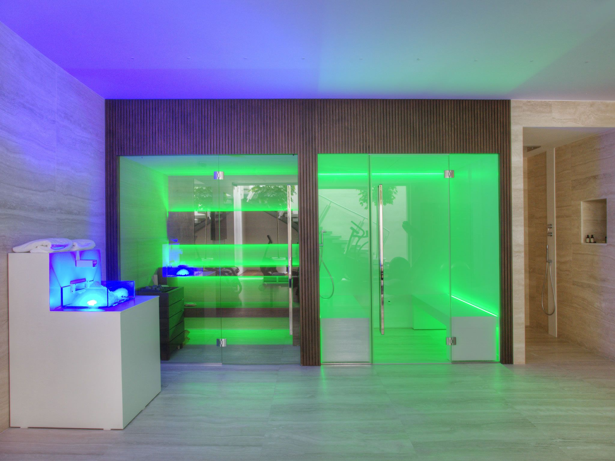 Relax at The Mediterrano Hotel in Jesolo, Venice. In the wellness area you can find Carmenta products, such as the sauna, the steam bath, the ice fountain and the water games with the ice buckets and lots of showers.