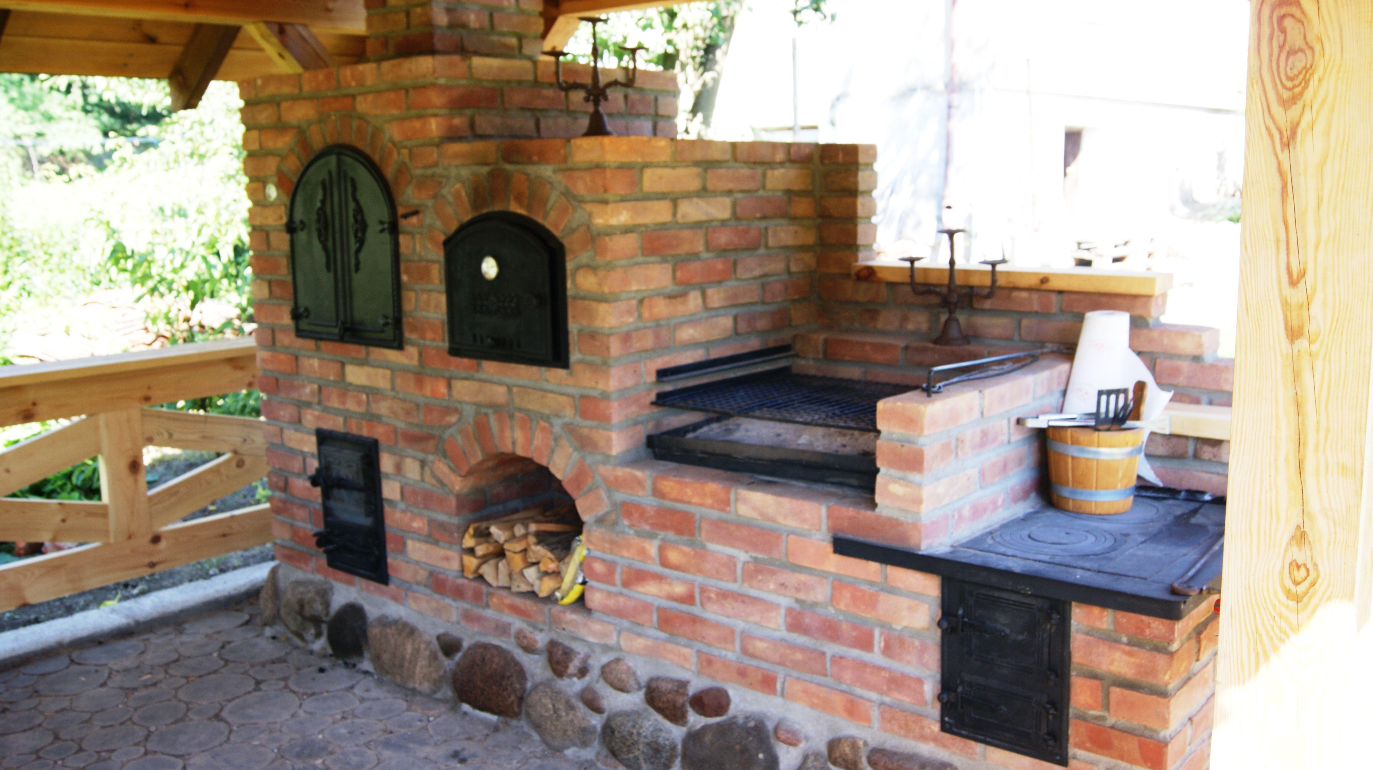Grilo Wedzarnia Z Piecem Chlebowym I Kuchnia Letnia Outdoor Bbq Area Outdoor Fireplace Pizza Oven Outdoor Kitchen