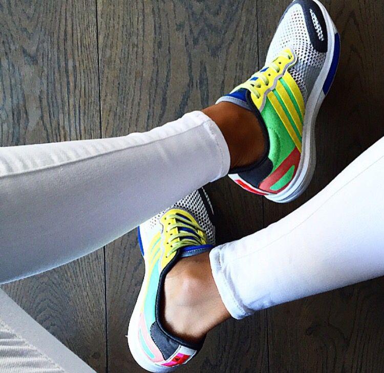 zapatillas adidas yvori