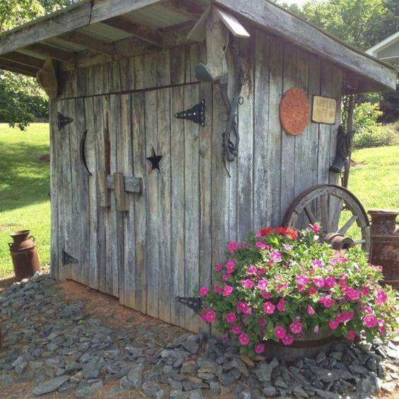 15 Creative Garden Ideas You Can Steal: Water Well House, Septic Tank