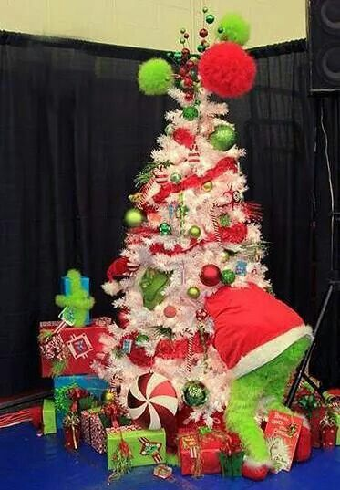 The Grinch In A Christmas Tree Grinch Christmas Tree Christmas Tree Themes Grinch Christmas Decorations