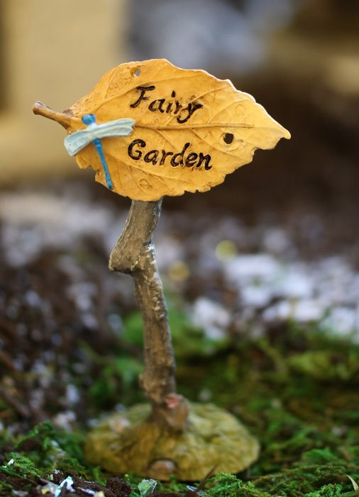 Fairy Garden Sign with Dragonfly - efairies.com