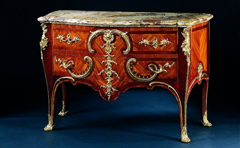 COMMODE-CRESCENT