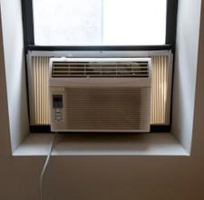 Window Unit Air Conditioner Had One In The Old House In Parents Room In Addit Window Air Conditioner Frigidaire Air Conditioner Window Unit Air Conditioners