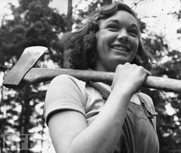 """""""vintage everyday: Interesting Photos of Women in World War II: Cicely Clark is one of 4,900 members of The Women's Timber Corps, dubbed """"lumberjills,"""" at work in a timber camp in 1942 in Suffolk, England as part of the war effort."""""""
