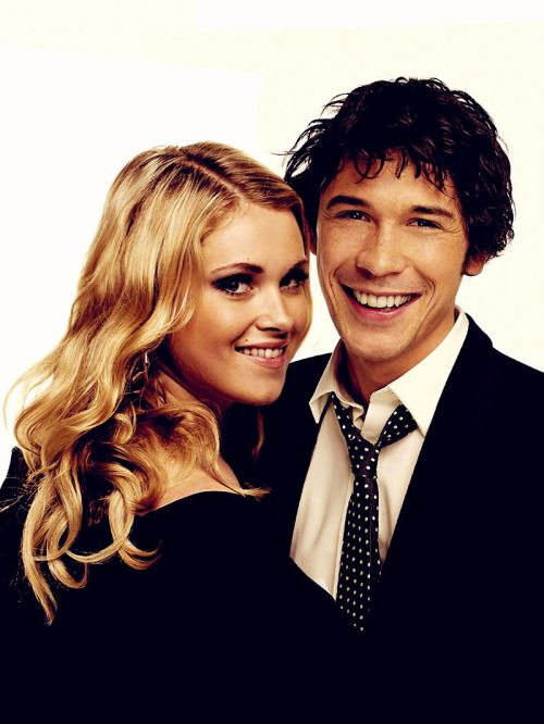 eliza taylor and bob morley clarke and bellamy the 100