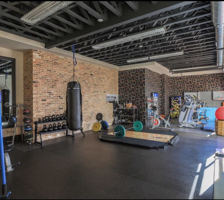 I would like a black exposed ceiling in the gym exercise room