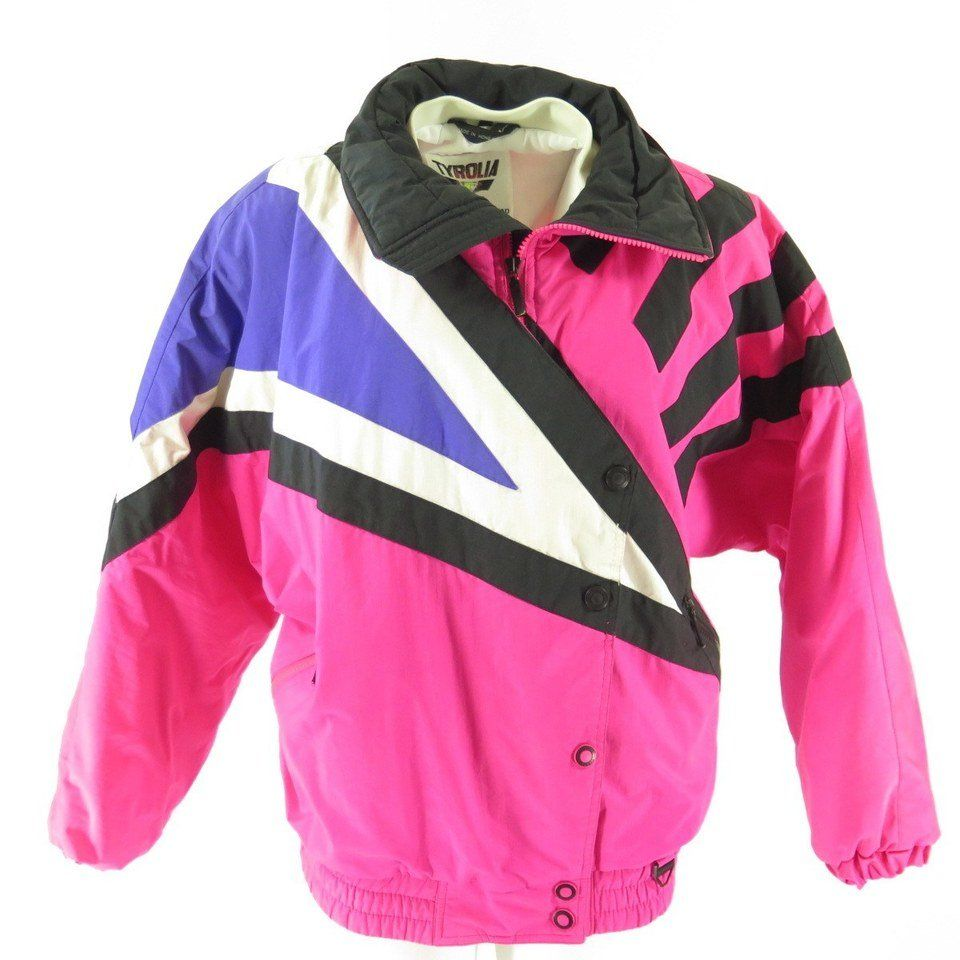 Lt P Gt This Is The Perfect Retro Vintage Ski Jacket To Wear Out On The Slopes While You Show Off Your Moves L Ski Jacket Women Ski Jacket Vintage Ski Jacket
