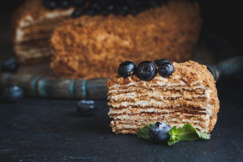 Медовик: классический рецепт любимого торта   Рецепты ...