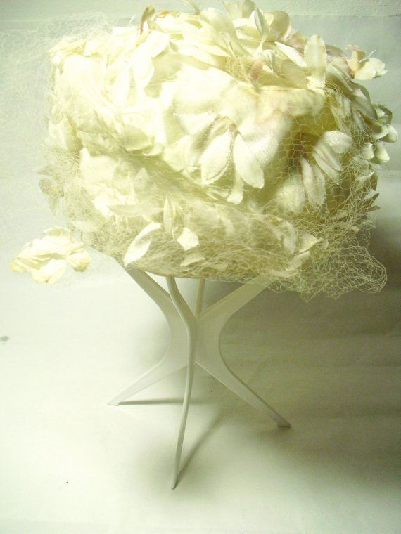 Vintage 1950s womans flower hat wedding hat by ArneckeVintage, $43.00