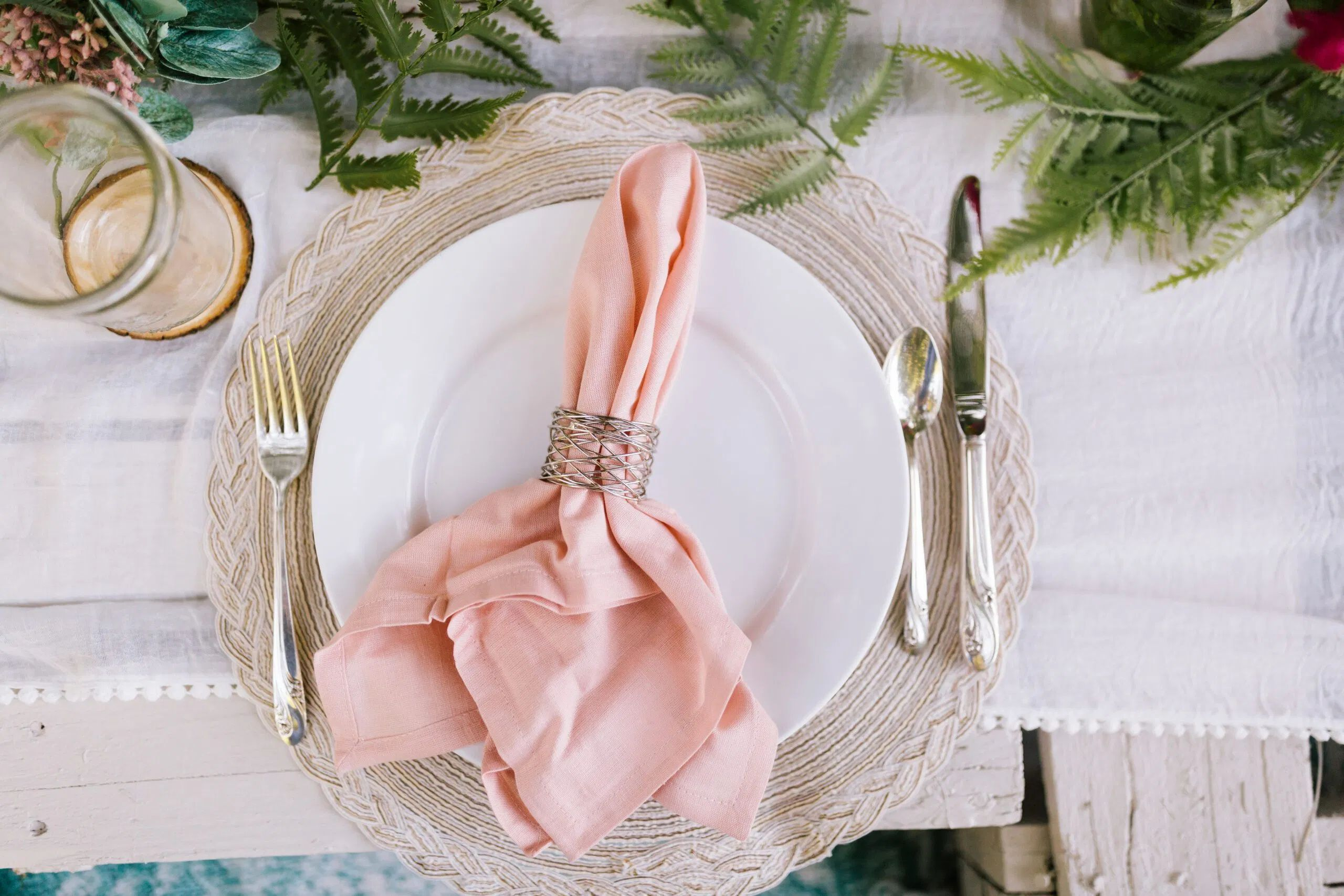 table decor, place setting, napkin, napkin ring, amazon finds