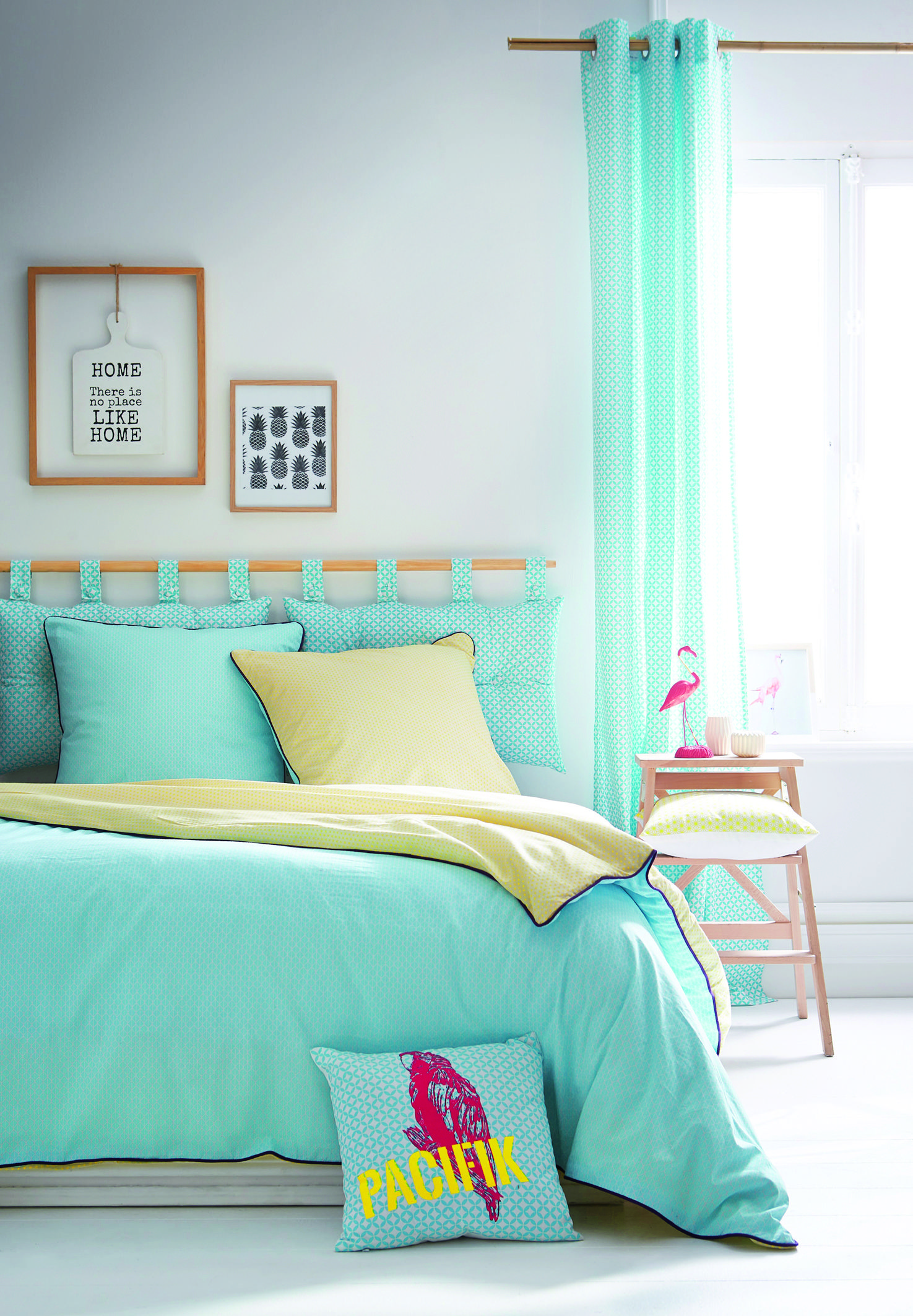 On ose le turquoise pour une chambre colorée et un réveil vitaminé !