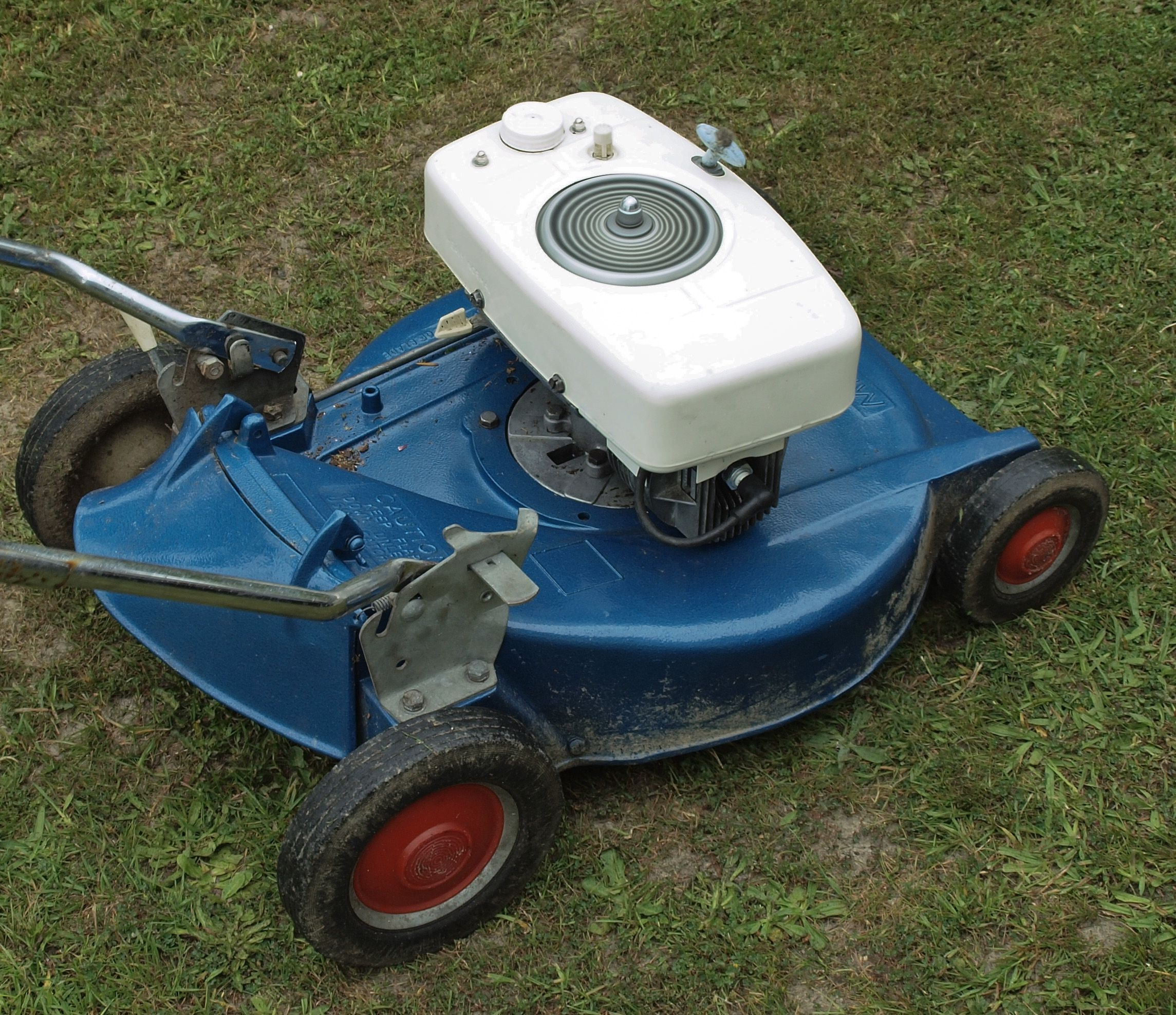Masport Lawn Mower Google Search An Old Mower Compare This To Present Day Masport Lawn Mowers Lawn Mower Mower Push Lawn Mower