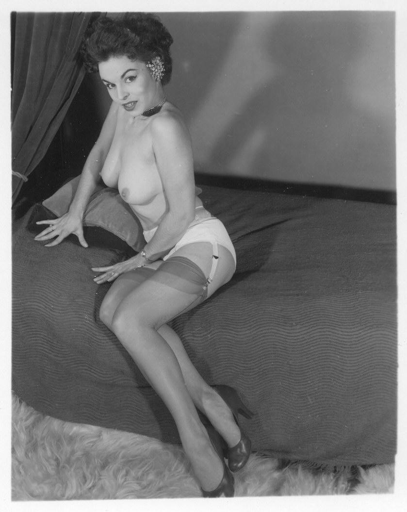 Julia levy boeken topless