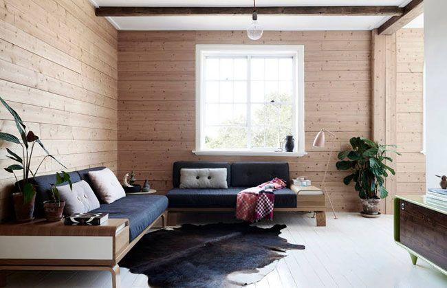 Salon avec murs bois