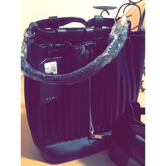 Zara backpack Trendy backpack, carry all. Black, new with tags. Zara Bags Backpacks