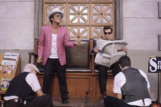 Bruno Mars Mark Ronson Are Impossibly Cool In Uptown Funk Video Bruno Mars Uptown Funk Mark Ronson
