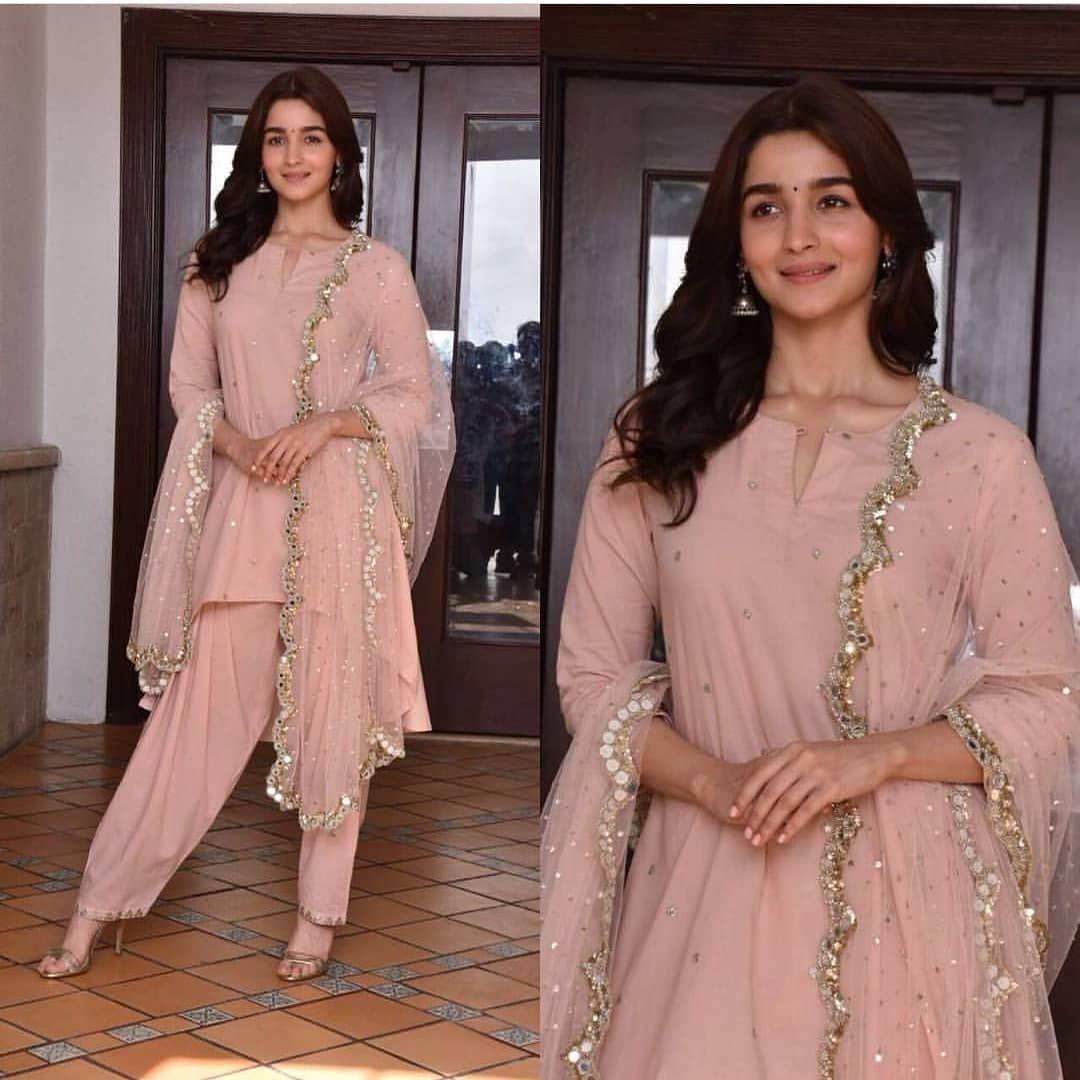 Alia Bhatt promotes her upcoming movie Raazi in style