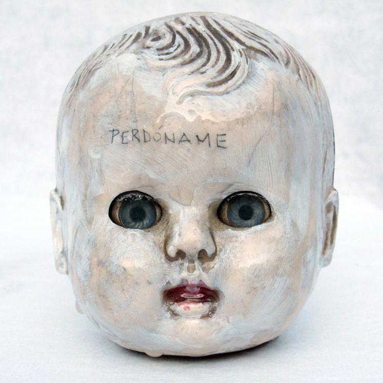 © foto y escultura Muss Hernández - obra expuesta en Cuestiones de Familia, Lima junio 2012.