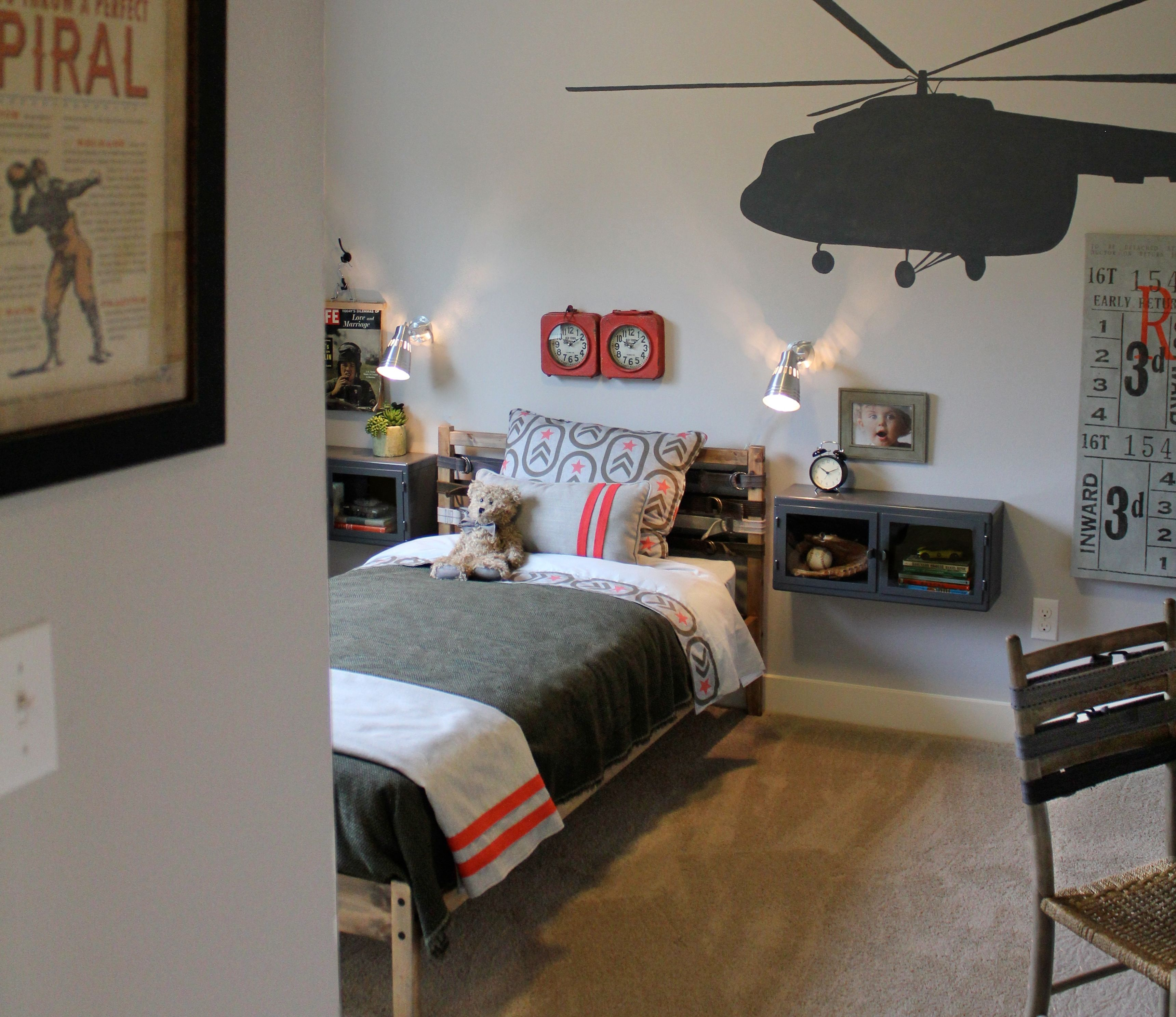 Latest Bedroom Colours 2015 Ikea Bedroom Youth Red Wall Decor Bedroom Cool Kids Bedroom Ideas For Girls: Military Themed Boys Room, Ikea Bed, Stained And Belts