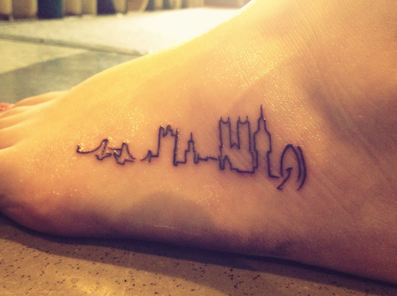 London skyline tat.  So cute!