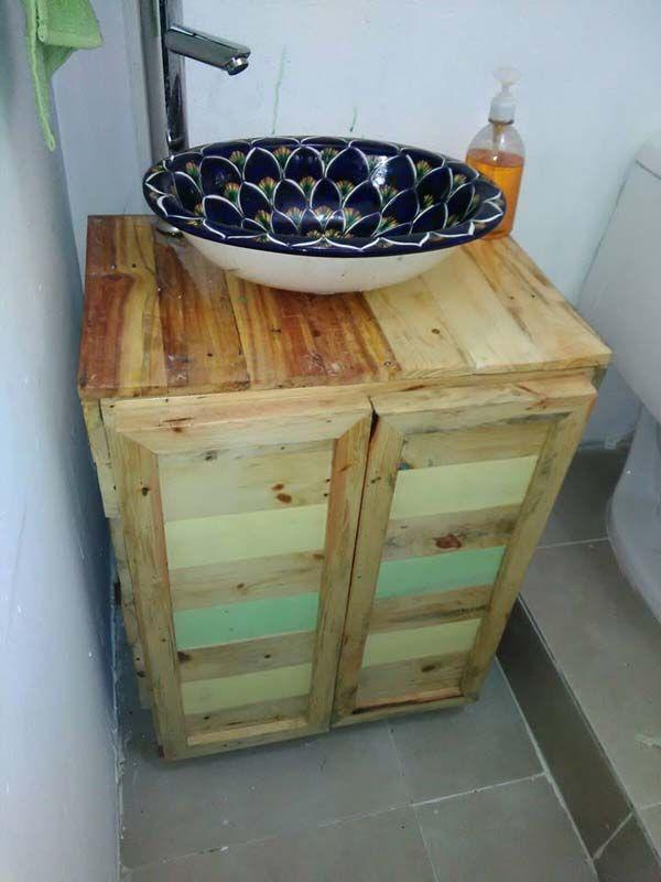 Wonderful 25+ Fantastic DIY Bathroom Pallet Projetcs Nice Design