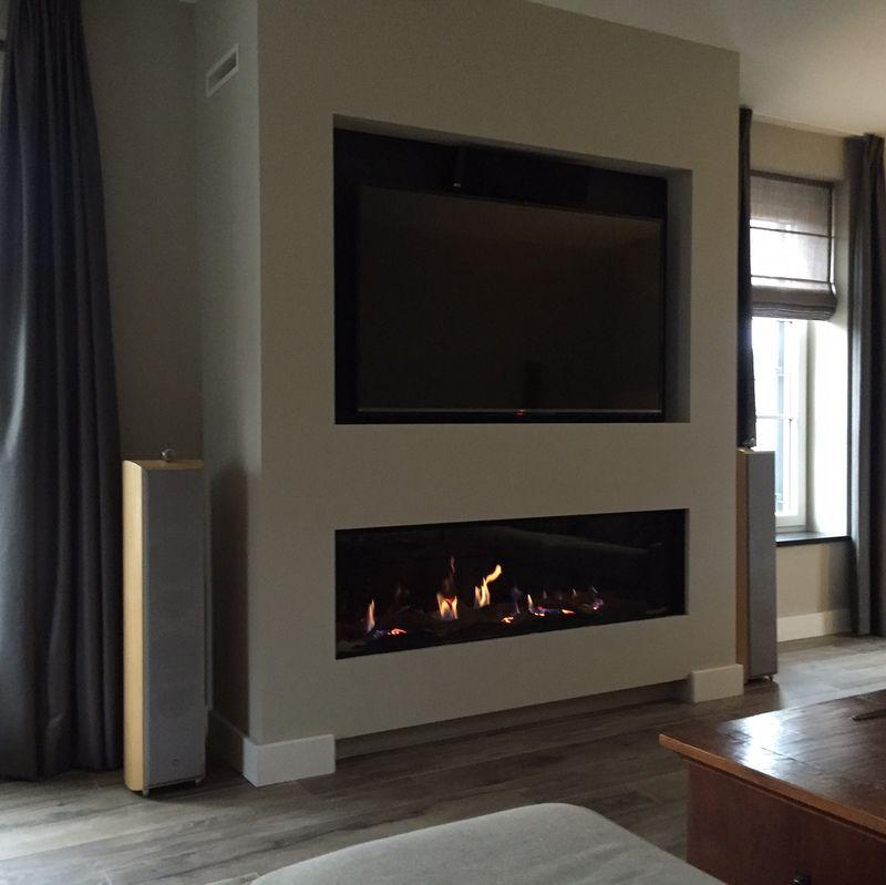 Populair Brede gashaard met televisie erboven | Fireplaces - Living room #LM26