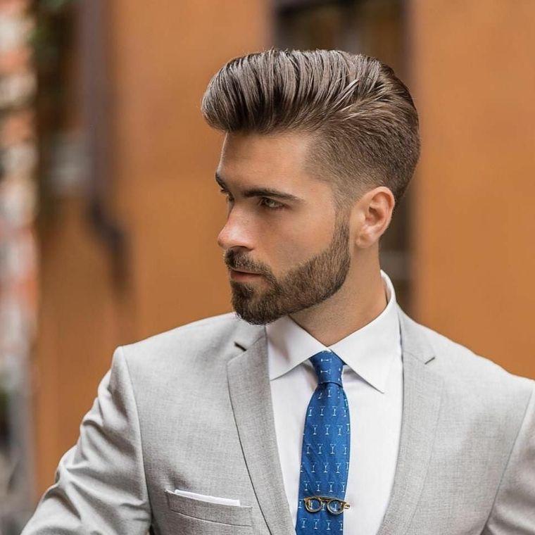una proposta per tagli uomo corto pompadour, barba di