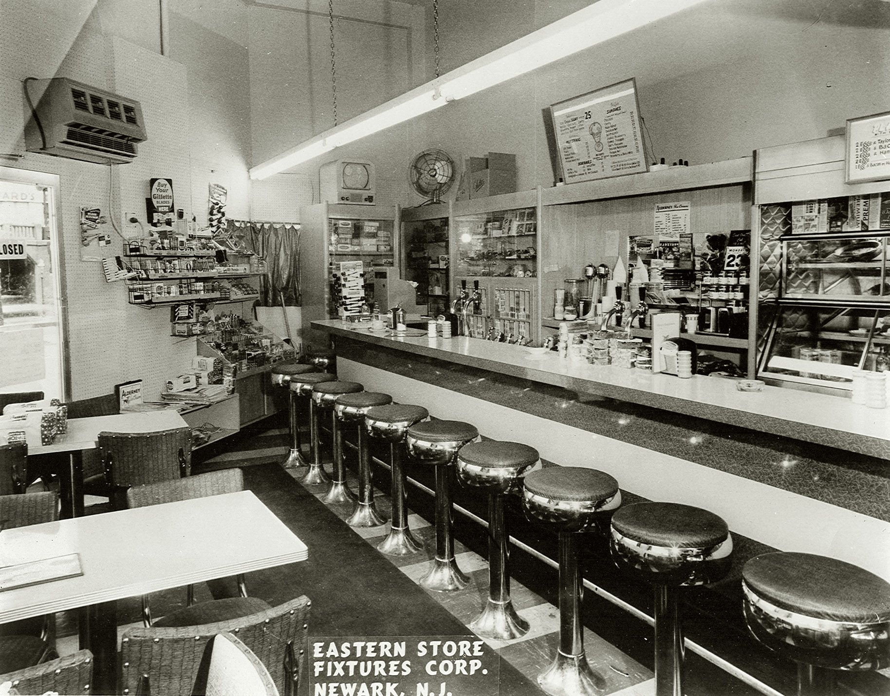 a new jersey lunch counter and soda fountain circa 1950 b w restaurant interiors pinterest. Black Bedroom Furniture Sets. Home Design Ideas